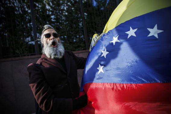 mexicanos apoyan no intervenir en venezuela 1