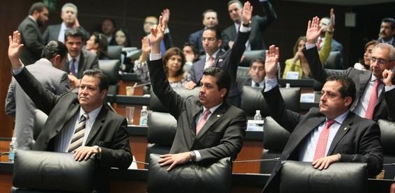 senadores gastan 100 mil pesos en boletos de avion 1