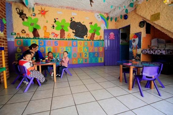 Dinero de estancias a padres, para que abuelos cuiden nietos:Hacienda
