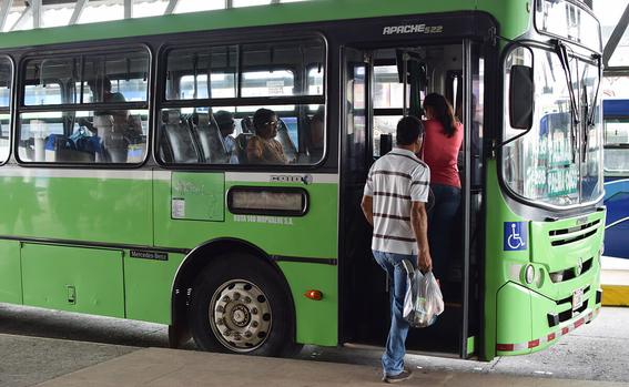 policias armados viajaran en rutas peligrosas transporte publico 1