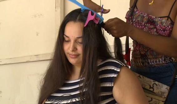 mujeres venezolanas venden su cabello en frontera con colombia 1