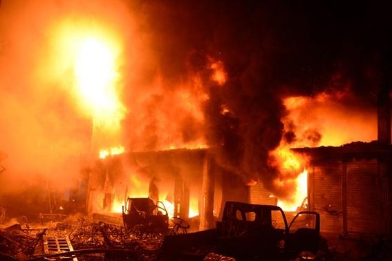 al menos 70 muertos deja un incendio de edificios en bangladesh 2