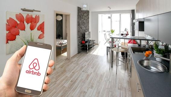 sectur hacienda buscaran cobrar impuestos a aplicaciones airbnb 1