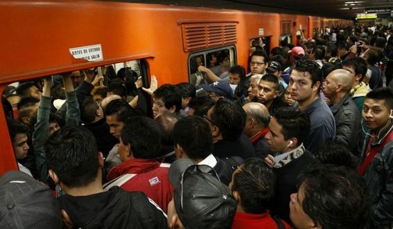 usuarios reportan manana caotica en metro cdmx 1