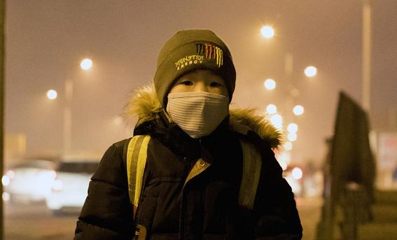 miles de ninos abandonan su pais por culpa del aire contaminado 1