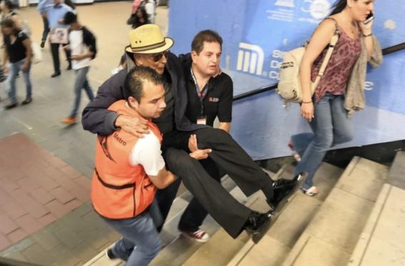 escaleras 4 lineas del metro seguiran suspendidas 2