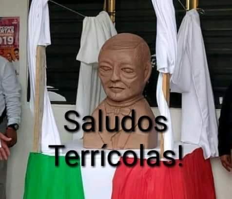 memes busto de benito juarez 7