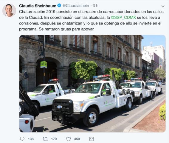 gruas que van a retirar los automoviles chatarra 1