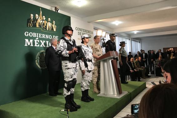 presentan uniformes de nueva guardia nacional amlo 1