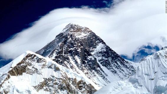 glaciaresdeleverestsederritenyaparecencadaveresdealpinistas 1