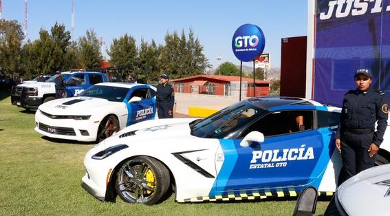policias de guanajuato usan corvette para patrullar 1
