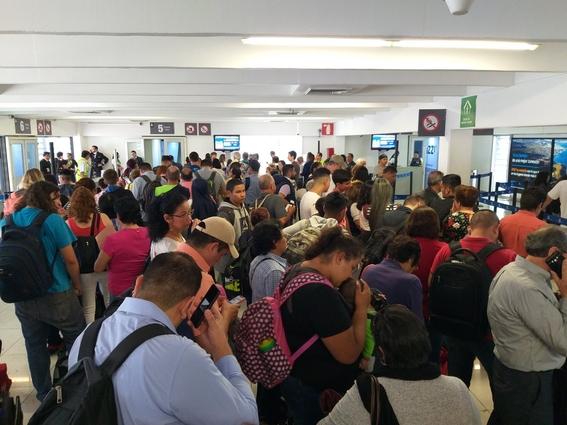 denuncia presencia de criminales en aeropuerto capitalino 1