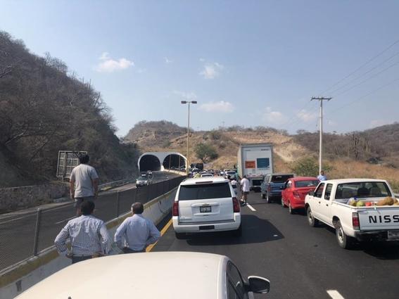 asalto en la carretera mexicoacapulco 2