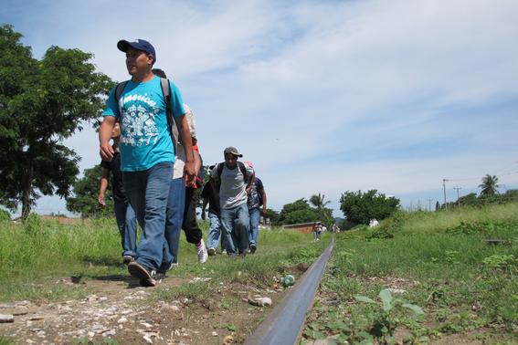 mas de mil migrantes se fugan de centro de detencion en chiapas 1