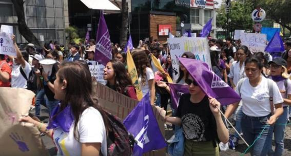 estudiantes de la unam marchan 1