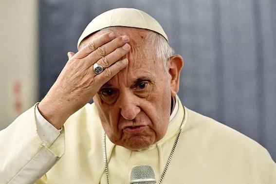 papa francisco obliga legalmente al clero a denunciar abusos sexuales 1
