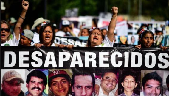 madres de desaparecidos el 10 de mayo 1