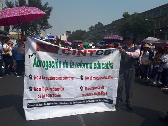 maestros de la cnte marchan 3