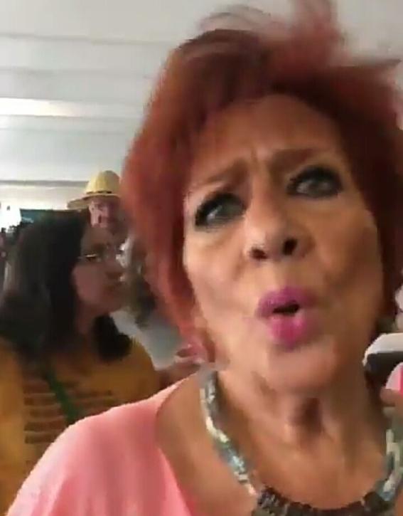 llaman lady peje a mujer que reclama a fernandez norona 1
