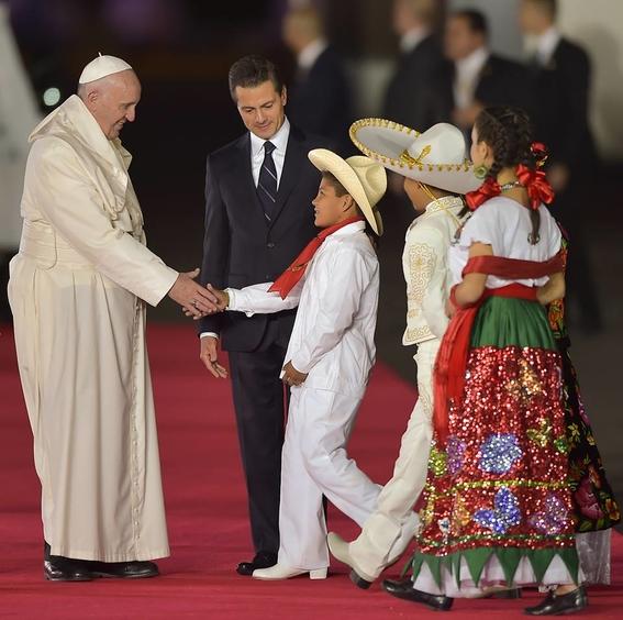 papa francisco dice que el diablo trae bronca con mexico 2