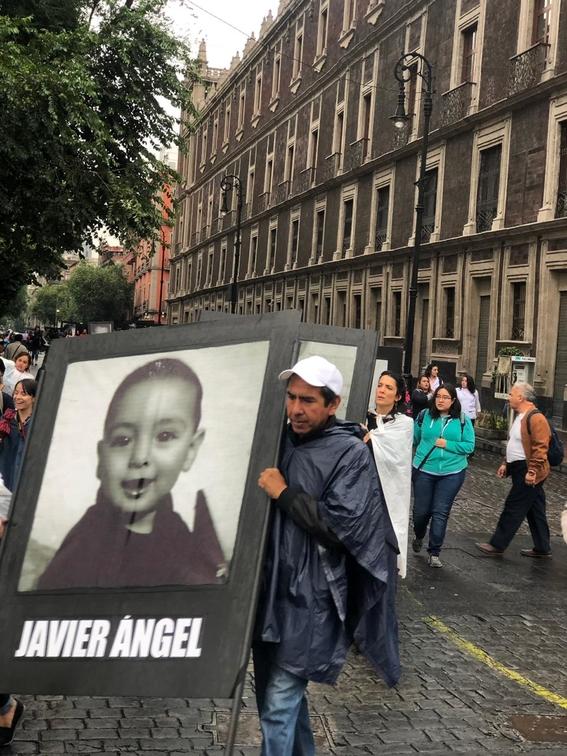manifestacion de familiares de victimas de la guarderia abc 8
