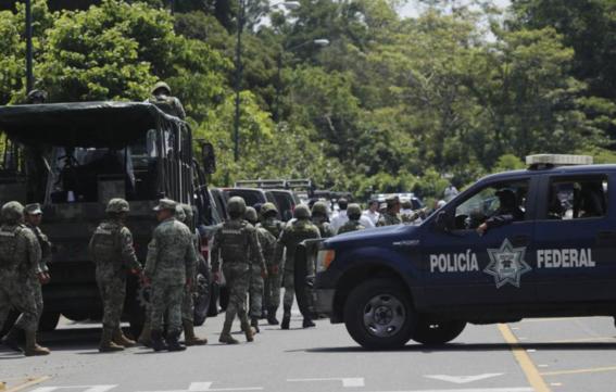 policiasymilitaresfrenancarvanamigranteenchiapas 2