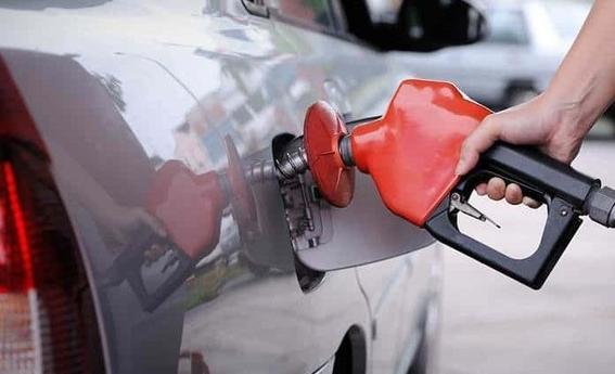 desde el sabado 8 de junio los automovilistas pagaran4060 pesos de impuesto por cada litro de combustible 1