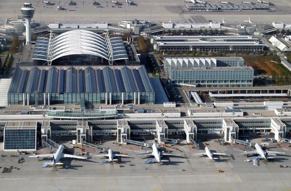 los funcionarios y especialistas de la semarnat compartieron un diagnostico en el que revelas las 8 causas por las que el proyecto del aeropuerto 2