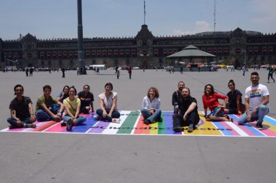 el zocalo de la cdmx se lleno de los colores del arcoiris para celebrar la marcha del orgullo gay este sabado en la capital del pais 2