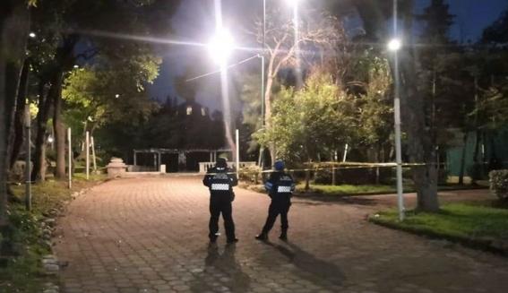 dos personas en situacion de calle fueron calcinadas en parque lira a unos metros de sede de la fiscalia de la alcaldia miguel hidalgo en la cd 1