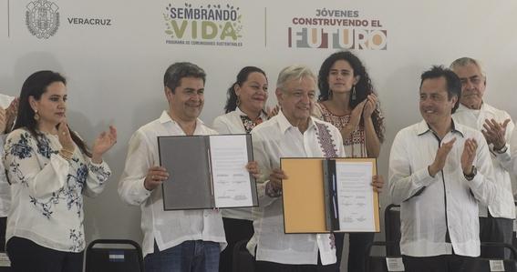 amlo anuncia acuerdo para crear 20 mil empleos en honduras 1