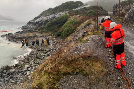derraman 40 mil litros de diesel en isla guarello en chile 2
