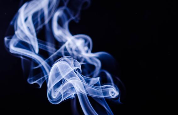 humocigarrilloshacemasagresivocancercabezaycuello 1