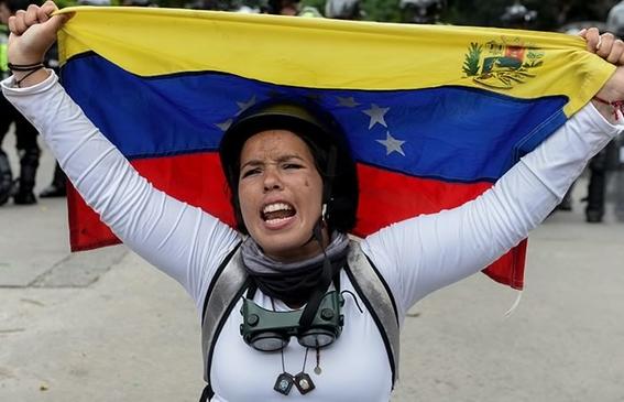 debido a la situacion economica que impera en venezuela que ha provocado la escasez de anticonceptivos muchas mujeres se embarazan por que no ti 3
