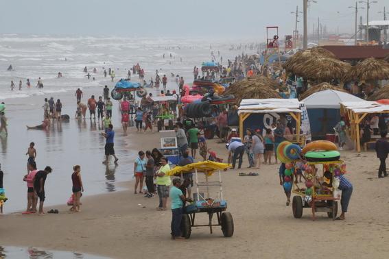 en el extremo mas oriental de la frontera entre mexico y estados unidos es una vieja y olvidada lengua de arena donde la migracion no es tema 1