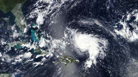 los habitantes de la florida se preparan para la llegada a tierra del huracan dorian el cual podria convertirse en un absoluto monstruo 1