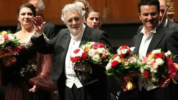 el tenor y director artistico ha sido senalado por otras 11 mujeres de haberlas acosado sexualmente hace 19 anos mientras trabajaban en