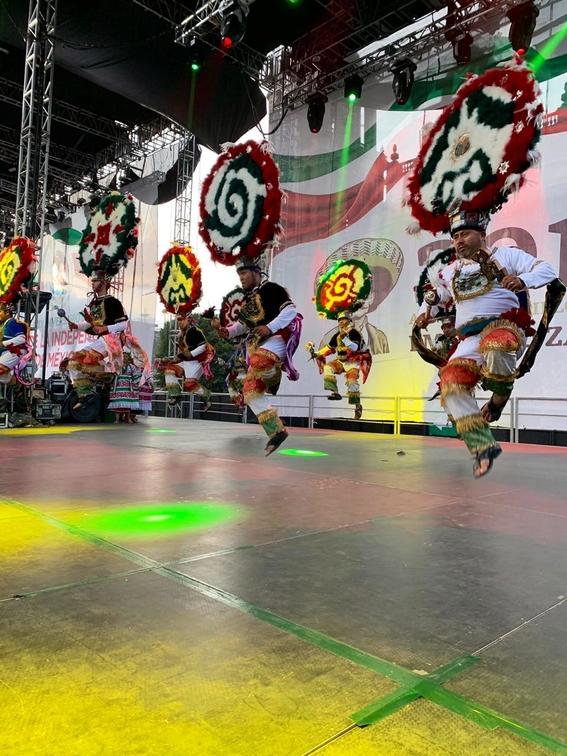 con 20 ¡vivas y miles de mexicanos celebro su primer grito de independencia el presidente amlo; estas son algunas imagenes de la fiesta 6