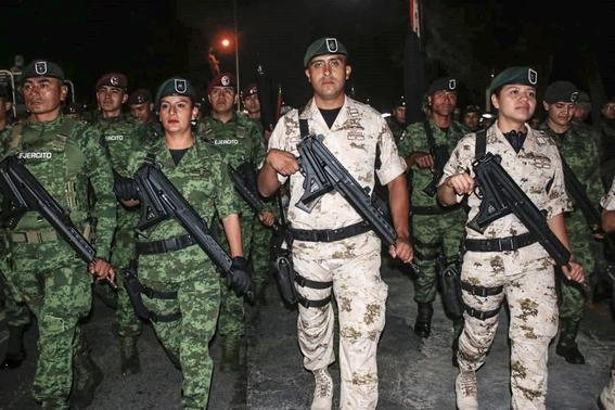 como cada ano esta todo listo en el centro de la cdmx para llevar a cabo el desfile militar por el aniversario 209 de la independencia de mexico 2