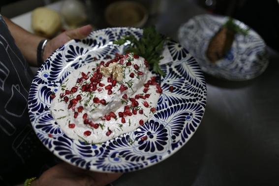 la especificidad de sus ingredientes convierten al chile en nogada en una de las joyas de la gastronomia mexicana y rey de las fiestas patrias de 2