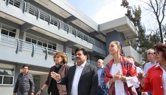 la jefa de gobierno de la ciudad de mexico claudia sheinbaum se encuentra en el pleno del congreso local para rendir su primer informe 5