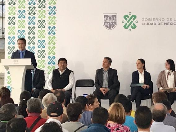 la jefa de gobierno de la ciudad de mexico claudia sheinbaum se encuentra en el pleno del congreso local para rendir su primer informe 7