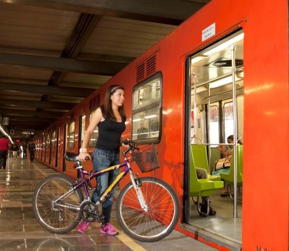 todos los dias podras entrar al metro con tu bici 1