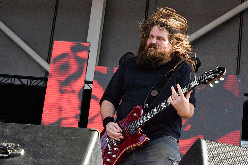 La colaboración de Chester Bennington y el guitarrista de Lamb of God 2