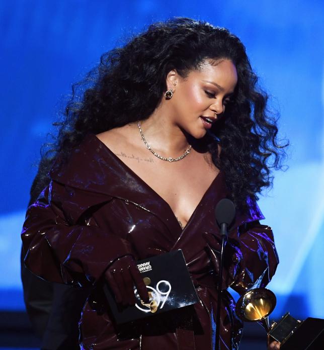 De Barbados para el mundo: 20 fotografías del antes y después de Rihanna 19