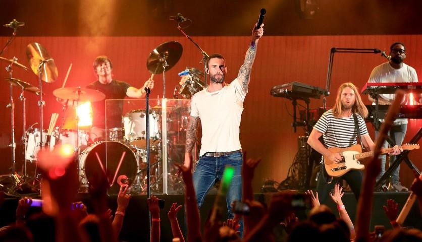 ¿Por qué muchos famosos se negaron a cantar con Maroon 5 en el Super Bowl? 3