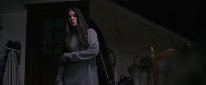 Momcore: consejos de moda que aprendimos de Sandra Bullock en 'Bird Box' 7