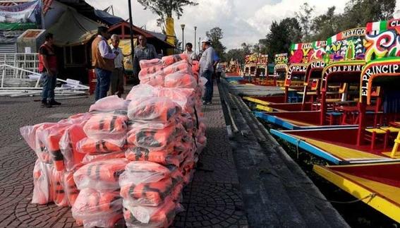 los visitantes y trabajadores de las trajineras continuan recibiendo capacitacion para fortalecer las medidas de seguridad en el destino turistic 1