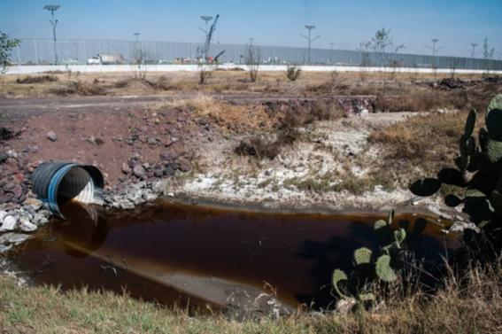 las obras que formarian parte del naicm ya muestran las huellas del abandono y los estragos de las lluvias en la zona de texcoco 1