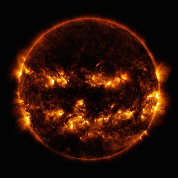 nasa publica foto en la que el sol parece calabaza de halloween 3